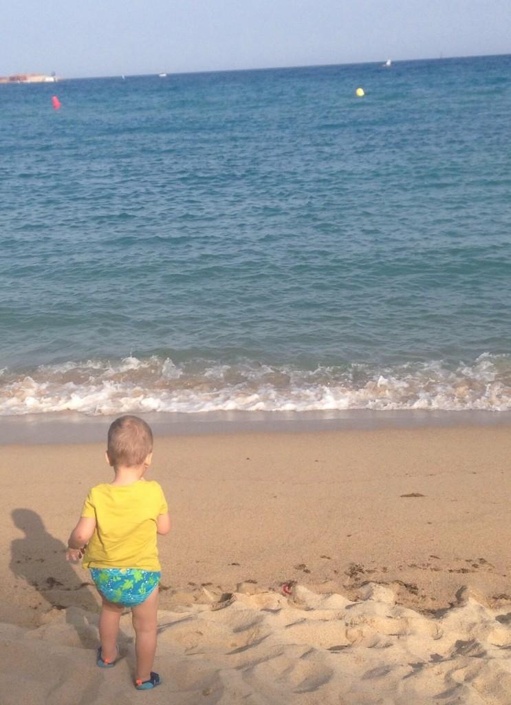.. Bogdan s-a imprietenit cu marea ..