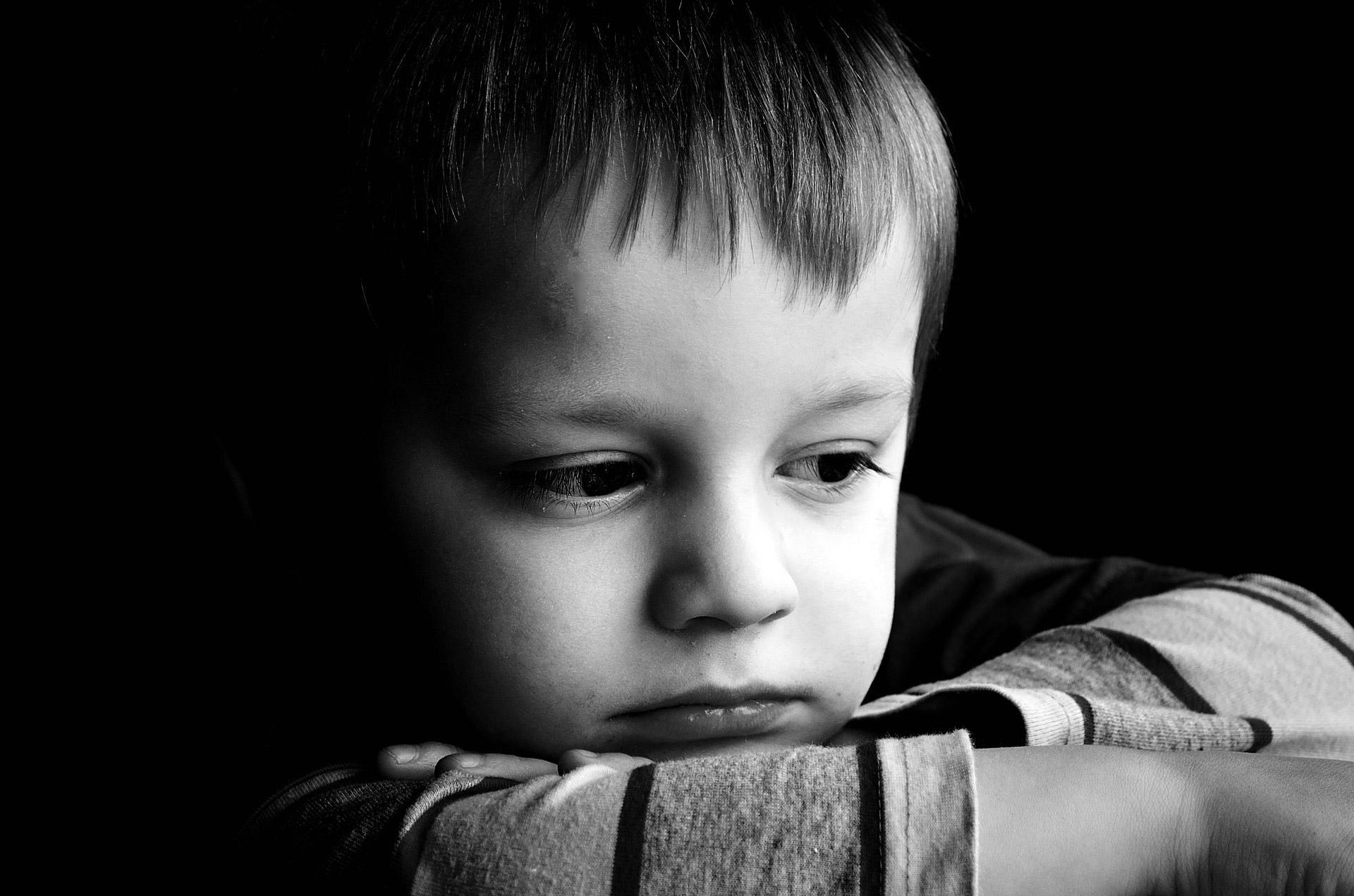Cum ne ferim copiii de abuzuri – Semne care ne spun cand ceva este in neregula