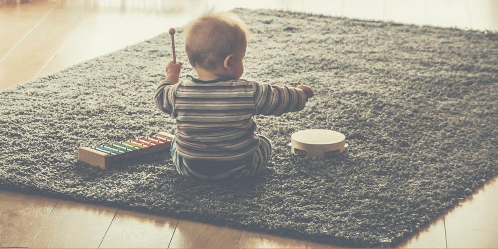 O luna cu activitati dedicate muzicii si dansului (luna a patra din provocarea noastra de parenting)